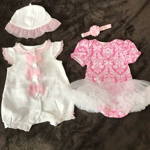 Baby girl outfits. 0-3 months. Moonpie/Little Me